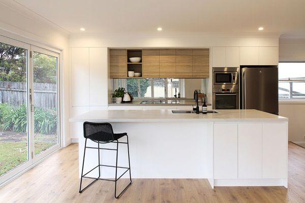 Thiết kế phòng bếp đầy đủ tiện nghi